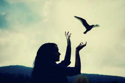 es_tiempo_de_dejar_ir_una_relacion_que_no_te_hace_feliz