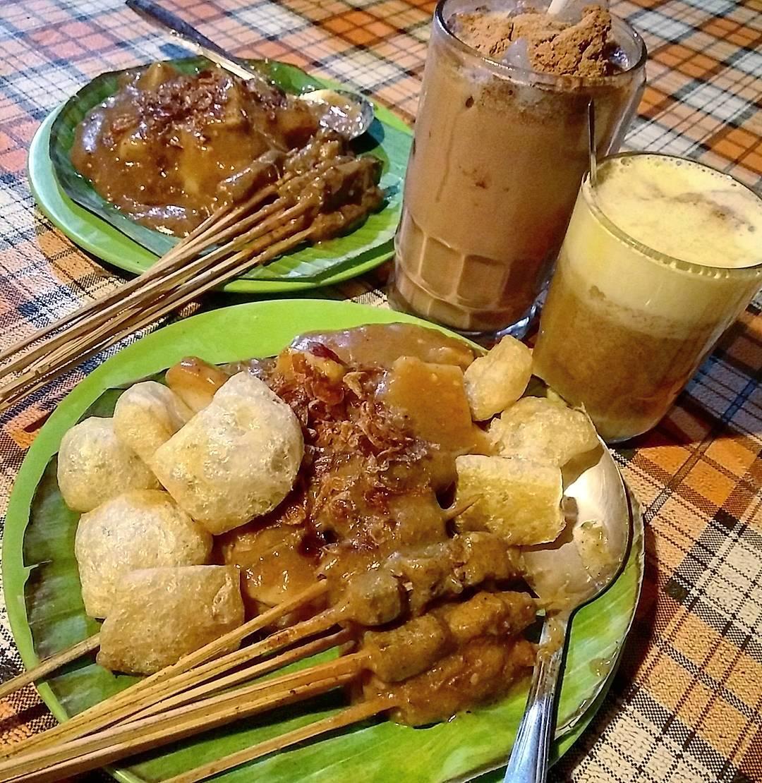 Kuliner Malam Hari Di Bandung Sate Padeh Sanak Apa Sih