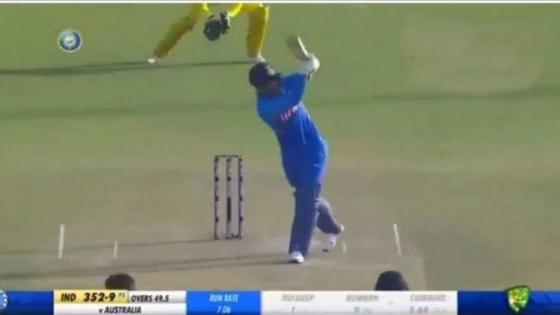 देखिये कैसे बुमराह ने मैच के अंतिम गेंद पर लगाया ये जादुई छक्का....