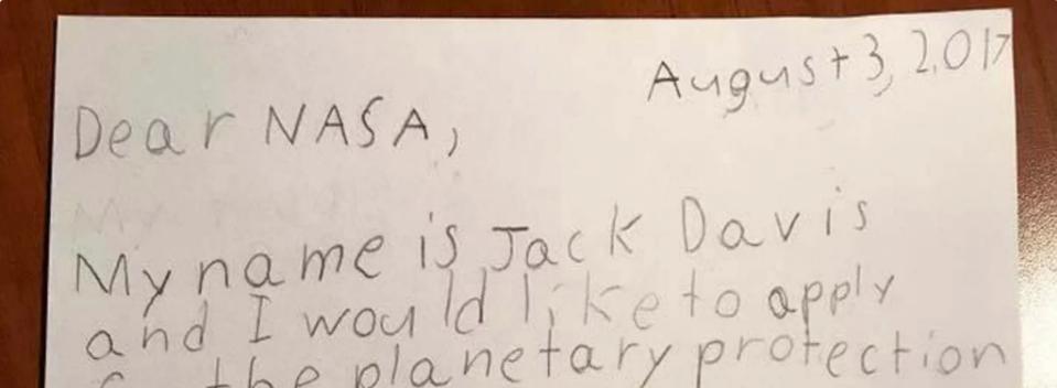 Cậu bé 9 tuổi nộp đơn xin làm việc tại bộ phận Bảo vệ hành tinh của NASA