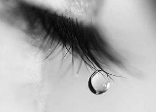 صور عيون حزينة
