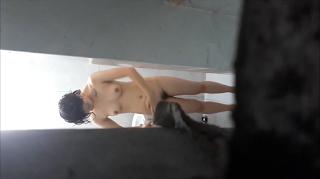 Clip: Quay lén Em VÚ TO DA TRẮNG đang tắm, Góc quay 90 độ :))