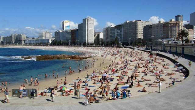 Playa de Riazor em La Coruña