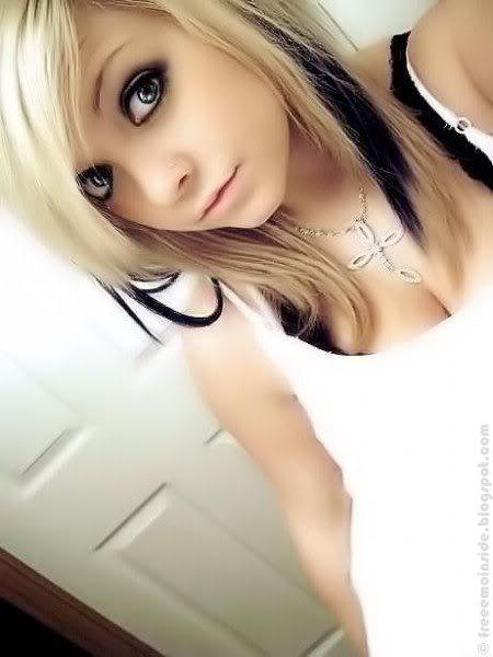 Emo Girls Blonde Hair