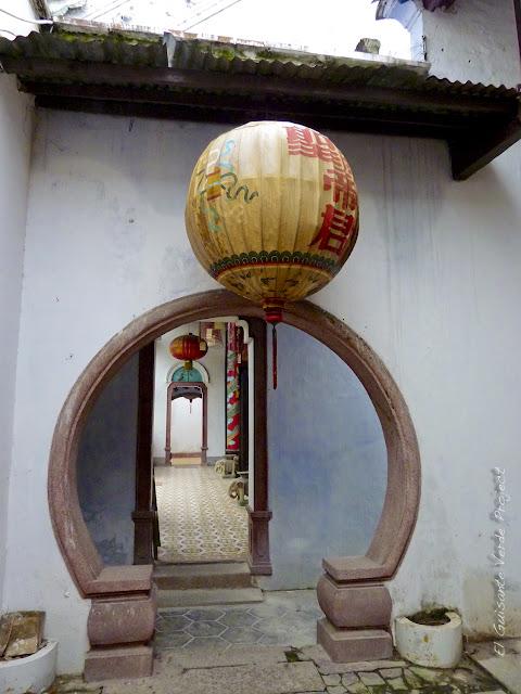 Puerta Circular en Hoi An, por El Guisante Verde Project