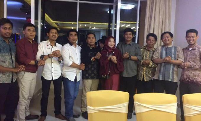Lihat Gaya Pemuda Jaman Now, Salam Punggawa di Milad Alumni UMI