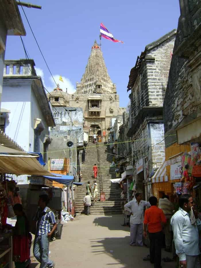 Swarga Dwaar (Gateway to Heaven), entrance to the Dwarakadheesh Temple