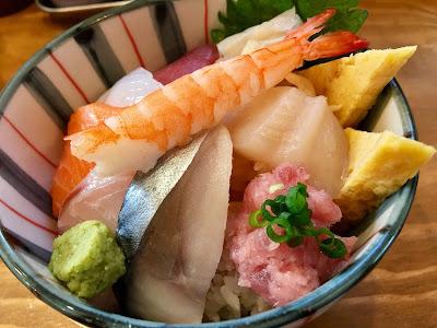 三軒茶屋のO-PLACE(オープレイス)の海鮮丼