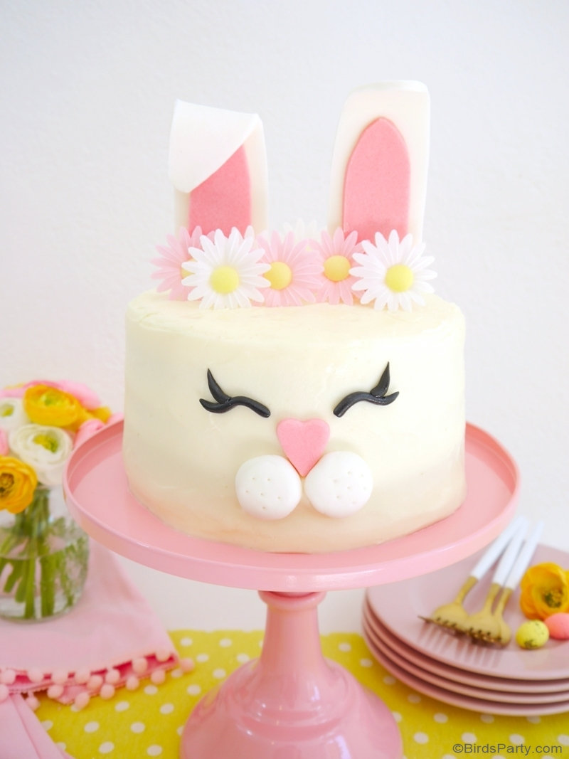 How to Make an Easter Bunny Cake - easy recipe to bake an decorate that is delicious and will wow your guests and family at Easter or a bunny party! by BirdsParty.com @birdsparty #easter #easterbunnycake #eastercake #bunnycake #easterbunny #cakerecipe #cakedesign