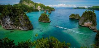 Mengekspos Keindahan Dan Kekayaan Alam Teluk Triton Kaimana Papua Barat