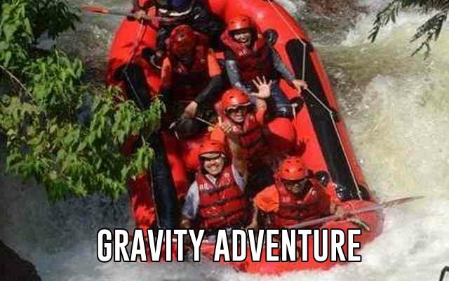 serunya rafting di gravity adventure sungai palayangan bandung