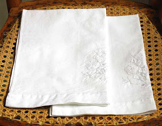 Vintage White Cotton Guest Towels
