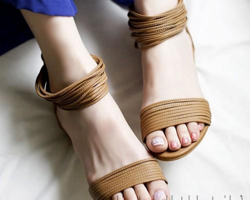 Sandal Wanita Model Sandal Lebaran Tahun Ini 35