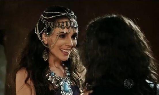 Raabe (Mirian Freeland) A Terra prometida, tiara e colar, cena novela