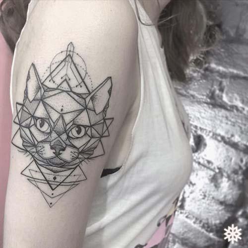kadın üst kol dövme modelleri woman upper arm tattoos 4