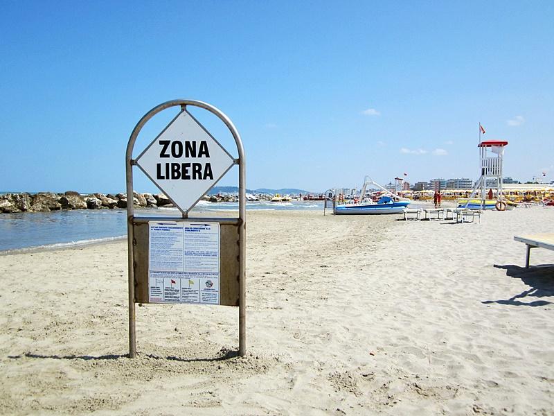 spiaggia misano italia