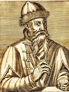 Biografi Johann Gutenberg - Penemu Mesin Cetak    Lazim Johann Gutenberg dianggap penemu mesin cetak. Apa yang sebetulnya dia lakukan adalah     mengembangkan metode pertama penggunaan huruf cetak yang bergerak dan mesin cetak dalam bentuk begitu rupa sehingga pelbagai macam materi tulisan dapat dicetak dengan cepat dan tepat.  Tak ada penemuan yang terlompat dari pemikiran seseorang, tidak juga mesin cetak. Segel dan bulatan segel yang pengerjaannya menganut prinsip serupa dengan cetak blok sudah dikenal di Cina berabad-abad sebelum Gutenberg lahir dan suatu bukti menunjukkan bahwa di tahun 868 M sebuah buku cetakan sudah ditemukan orang di Cina. Proses serupa juga sudah dikenal orang di Eropa sebelum Gutenberg. Cetak blok memungkinkan pencetakan banyak eksemplar buku tertentu. Proses ini punya satu kelemahan: karena satu set baru serta komplit dari cukilan kayu atau logam harus dibuat untuk sebuah buku, dengan sendirinya tidaklah praktis untuk mencetak berbagai macam buku.  Sering disebut orang sumbangan terpenting Gutenberg adalah penemuannya di bidang huruf cetak yang bisa bergerak. Dalam perkara ini pun hal serupa sudah diketemukan di Cina sekitar pertengahan abad ke-11 M oleh seorang bernama Pi Sheng. Huruf-huruf cetak aslinya terbuat dari semacam tanah yang tidak bisa tahan lama. Sementara