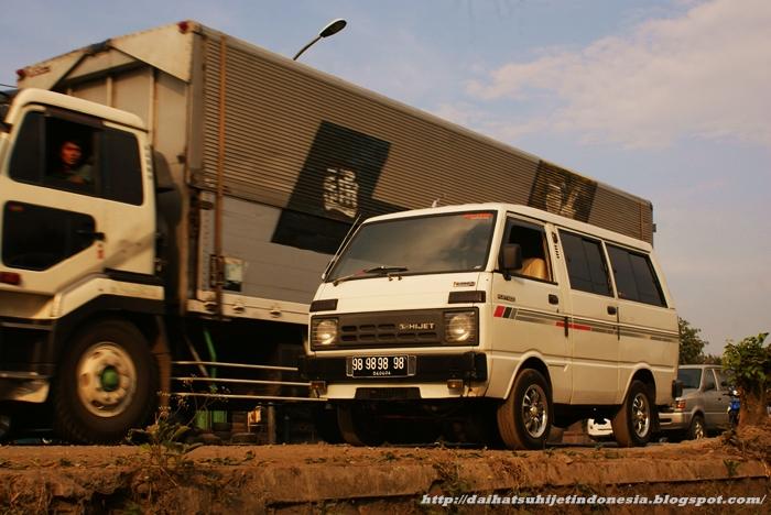 Daihatsu Hijet: Mempertahankan Penampilan Daihatsu Hijet 1000