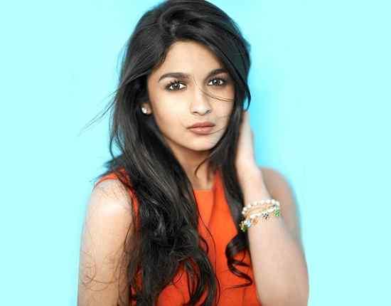 Artis Bollywood India Paling Cantik Alia Bhatt