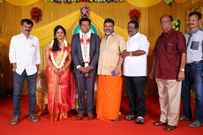 Kumudam-Chitramani-Son-Girirajan-Wedding-Reception-Photos-11