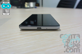 Xiaomi Redmi 3 Black - sisi bawah terdapat port micro USB 2.0 dan mikrofon