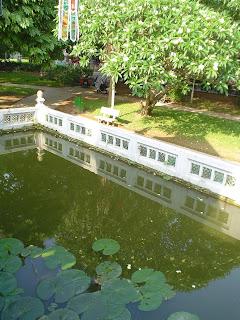 Lago de la Pagoda del Pilar Unico. Hanoi (Vietnam)