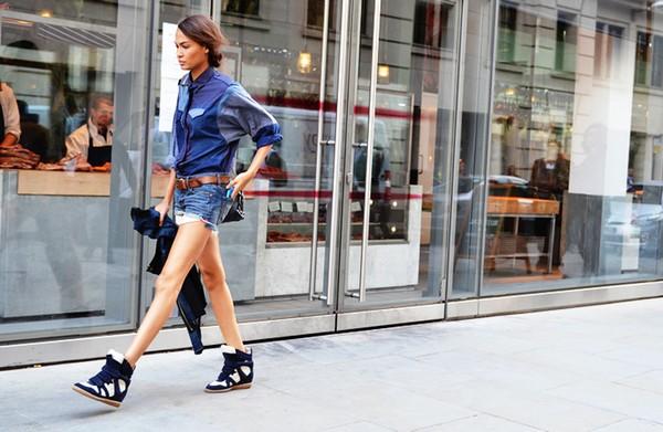 3 cách mix giúp quý cô tận dụng dễ dàng high top sneaker hầm h29ố