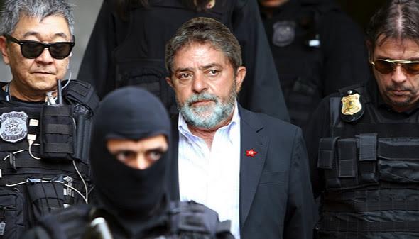 Lula preso pela Polícia Federal na Operação