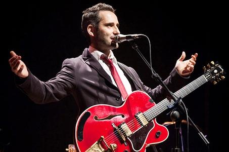 Foto de Jorge Drexler en el escenario