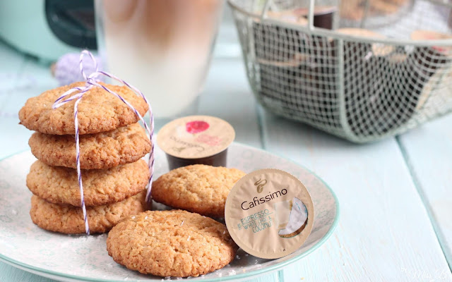 Anzeige: Hafer-Kokos-Cookies zum Iced Coco Latte [Tchibo Cafissimo Flavored Edition]