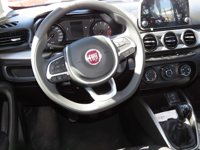 Fiat Argo Drive 1.0 - interior