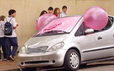 20 Creative and Clever Bubble Gum Ads (20) 2