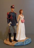 statuette torta nuziale uniforme storica polizia cake topper originali orme magiche