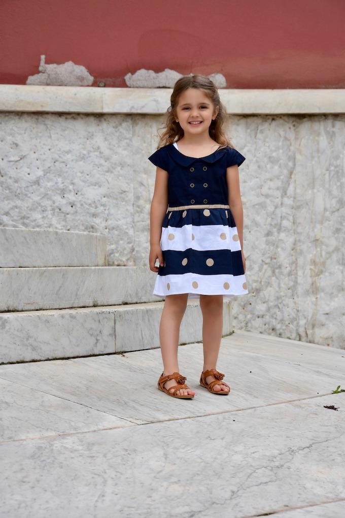 MiniLook: un abito a righe in stile navy