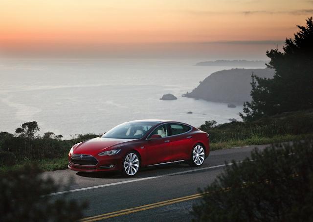 2013 Tesla Model S red