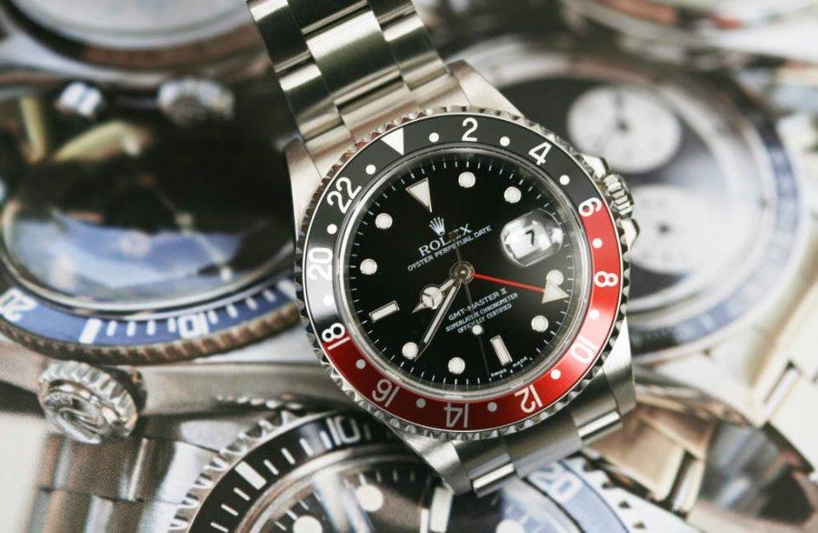 Τα φορούν εκατομμυριούχοι σε όλο τον κόσμο και έχουν γίνει συνώνυμο της  χλιδής και του πλούτου. Ο λόγος για τα πανάκριβα ρολόγια Rolex. f924fd8f165