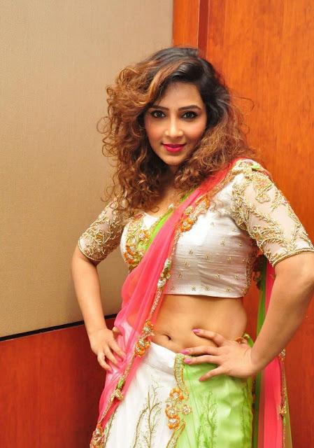 Sheetal Kale actress navel show