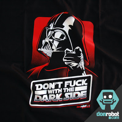 Camiseta Star Wars: 'Don't Fuck With the Dark Side'