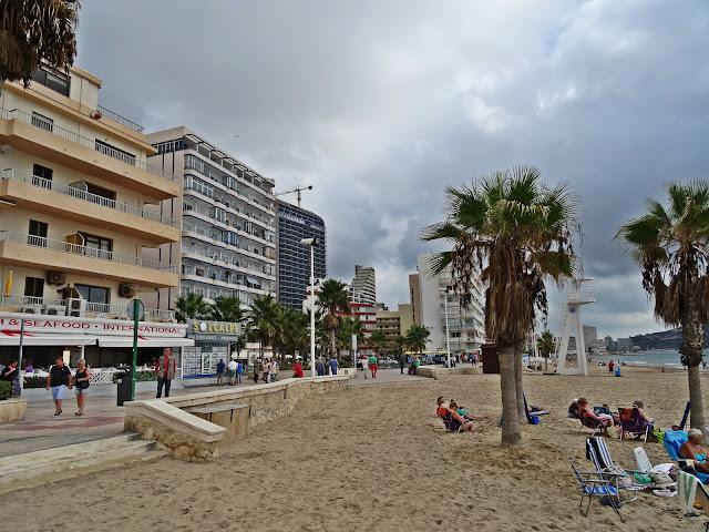turystyka w Calpe na Costa Blanca w Hiszpanii.