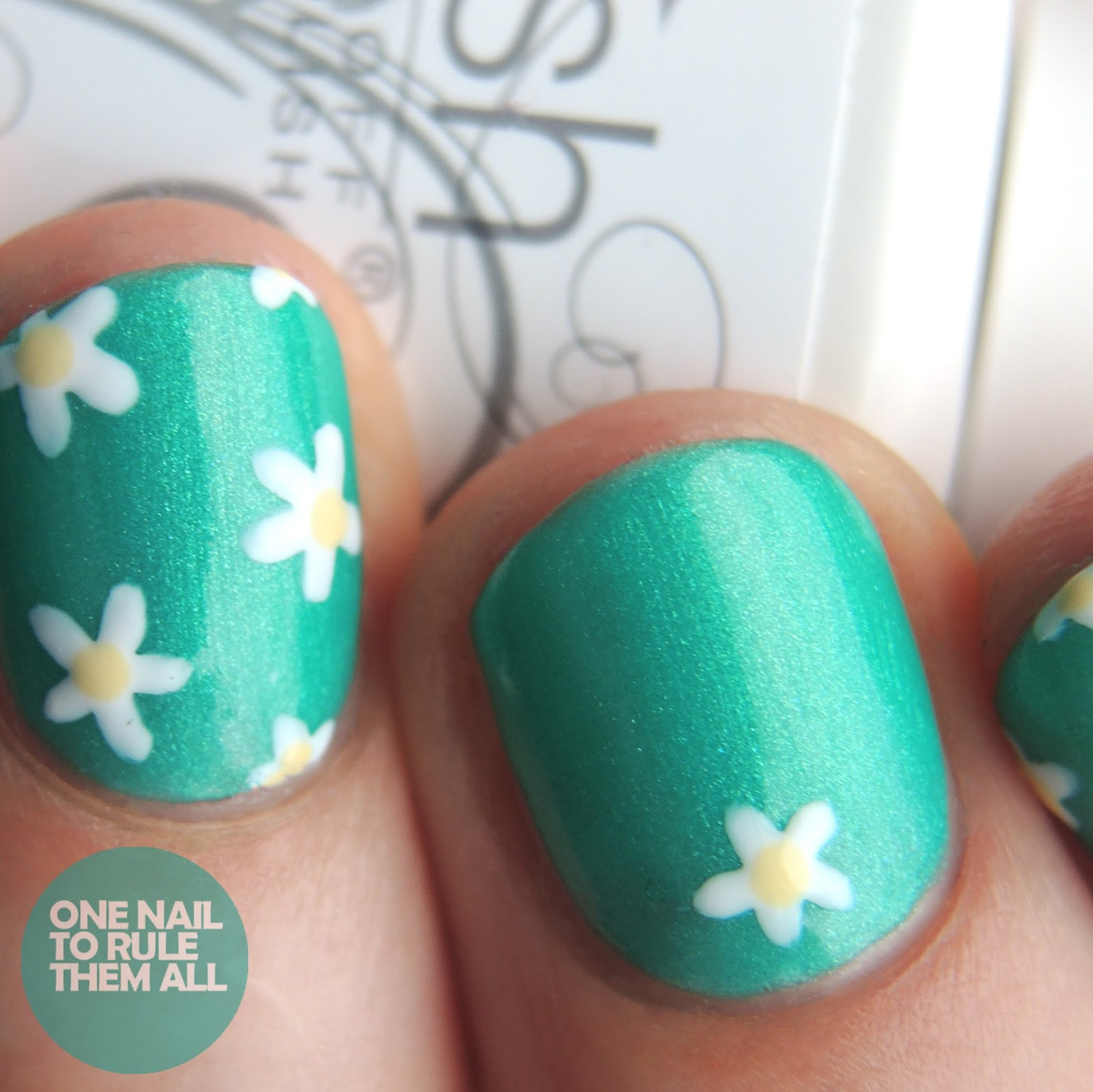 One Nail To Rule Them All: Gelish Green Daisies