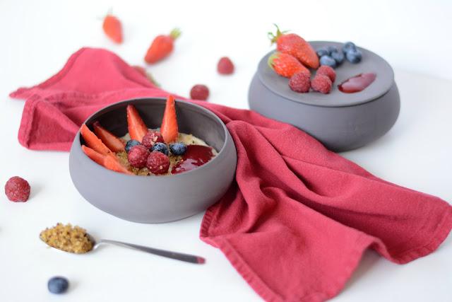 Porridge fruits rouges et quinoa soufflé (sans gluten)