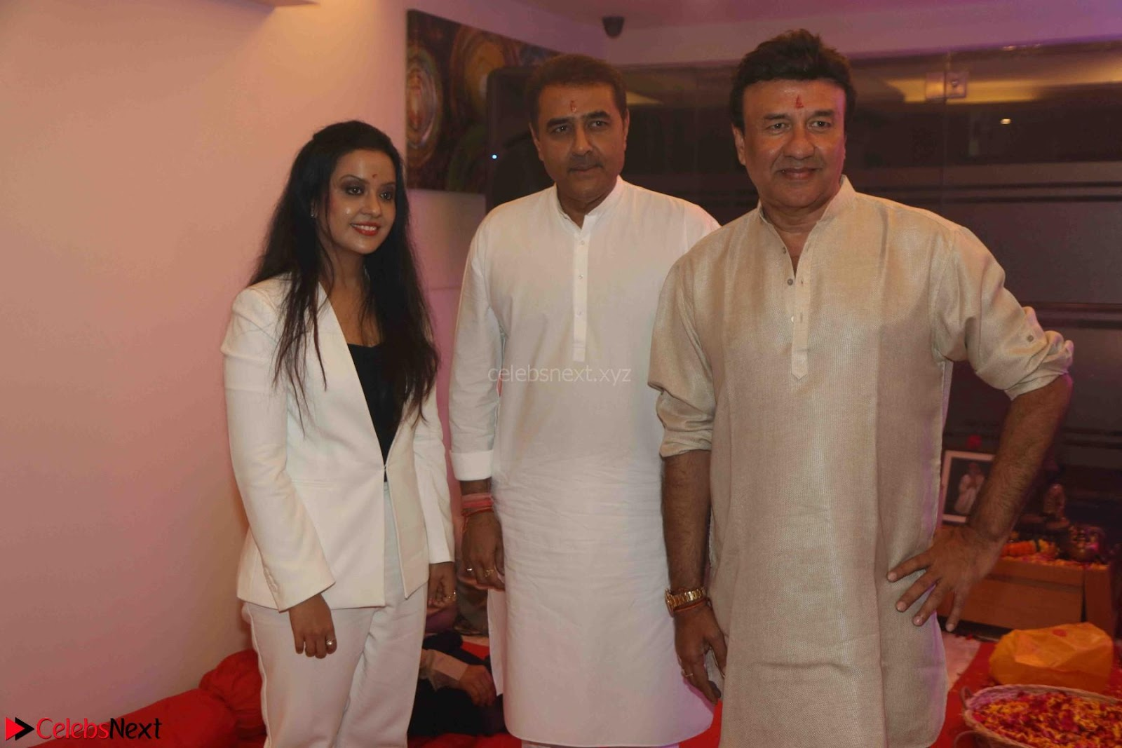 Sachin Tendulkar with his wife at Mata ka Jagrata hosted by Anu Malik 16th March 2017
