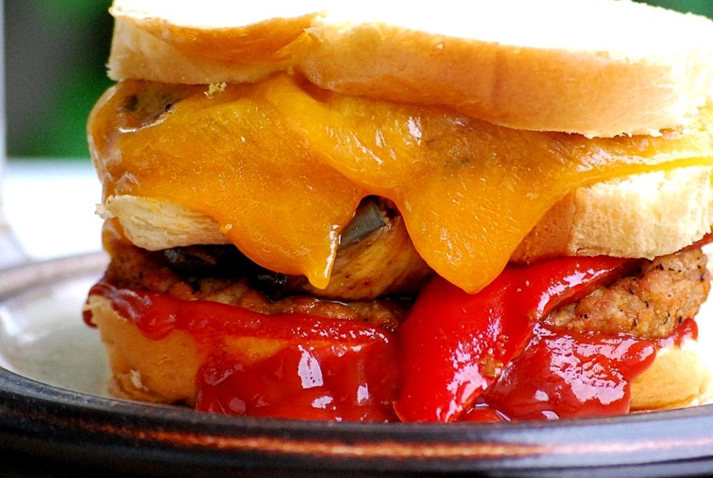 www.zauberhaftwohnen.blogspot.de | Lamm-Brioche-Burger mit gegrilltem Gemüse