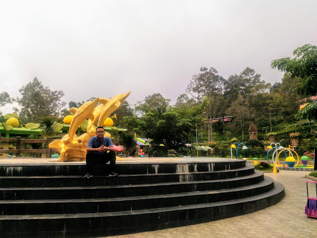 "Bhakti Alam Pasuruan Area Spot Foto di Taman Air ""Asyik"""