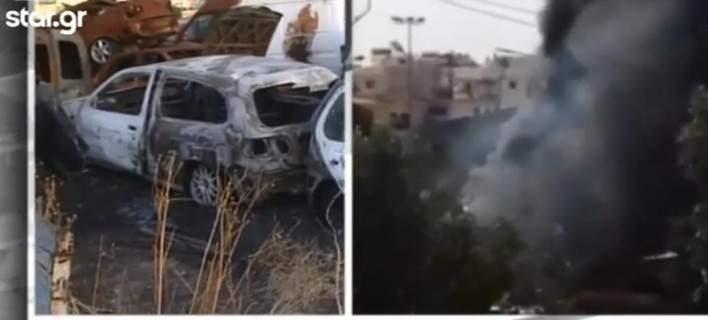 Ασπρόπυργος: Πυρπόλησαν αυτοκίνητα έξω από το Αστυνομικό Τμήμα - Ηταν πειστήρια εγκλήματος