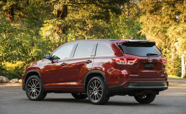 2017 Toyota Highlander: New SE, Cheaper Hybrids