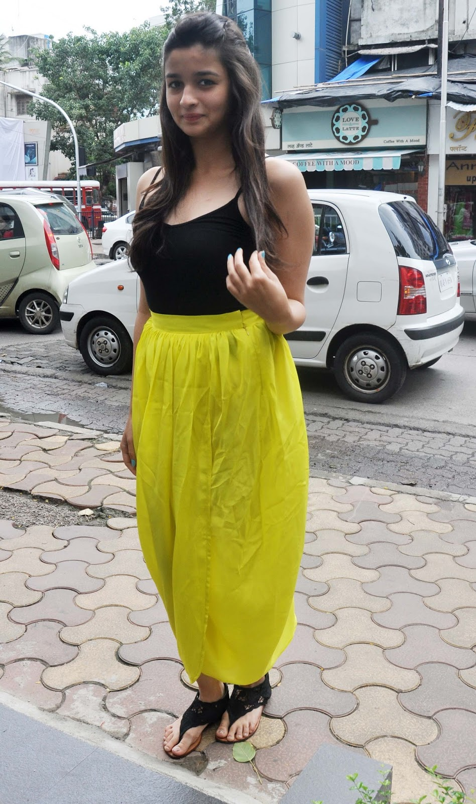 Alia Bhatt Hot In Yellow Dress  Image-8798