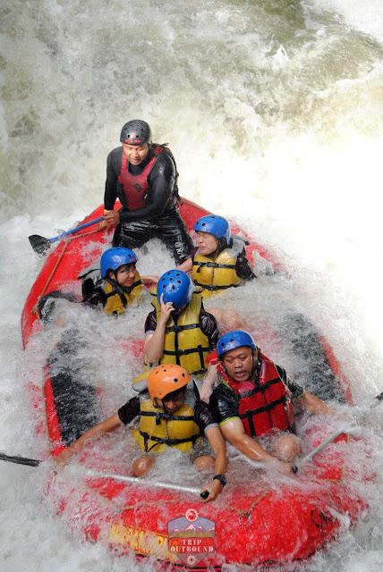 Rafting (Arung Jeram) Seru