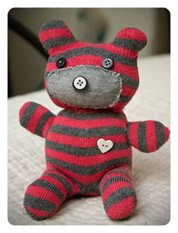 DIY boneka dari kaos kaki bekas Teddy Bear