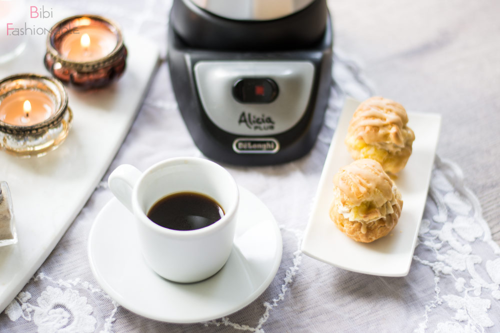 But first Coffee DeLonghi Alicia Kaffeejause